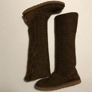 Classic Cardy Knit UGGS With Sheep Skin Lining